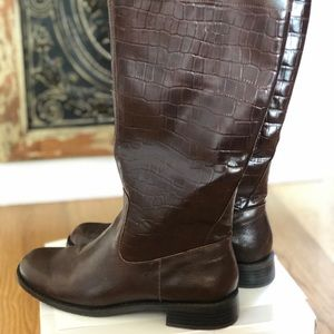 Az- By AEROSOLES riding boots